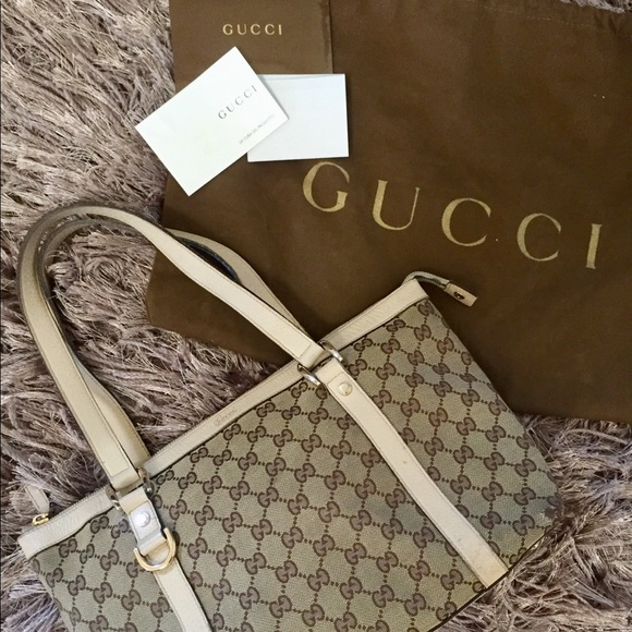 f0c767fee Gucci Bags | Medium Abbey Tote | Poshmark